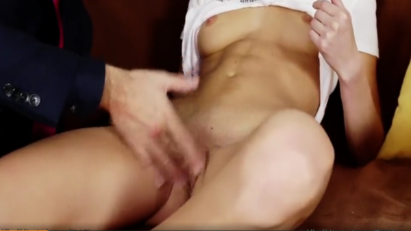 A bald man brings to orgasm a young blonde with fingers and tongue фото